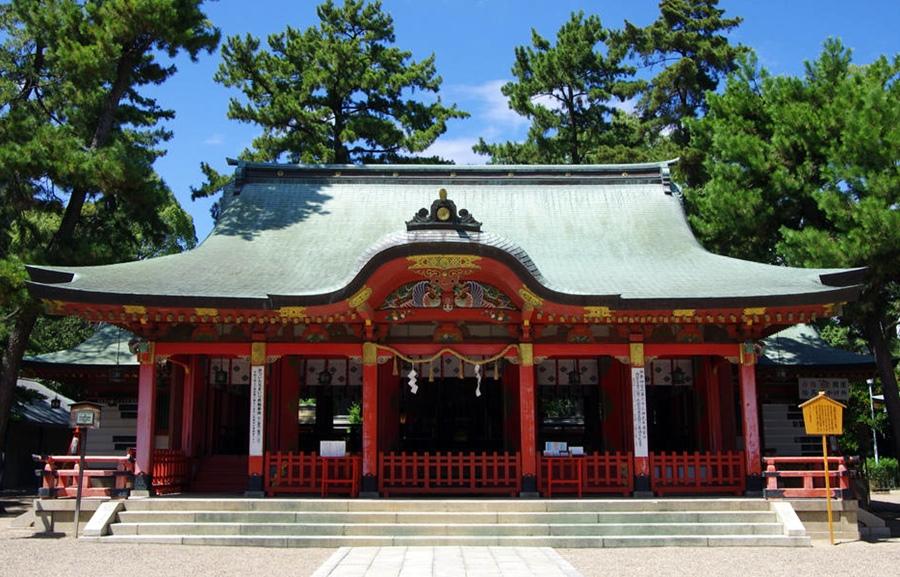 兵庫県の長田神社拝殿