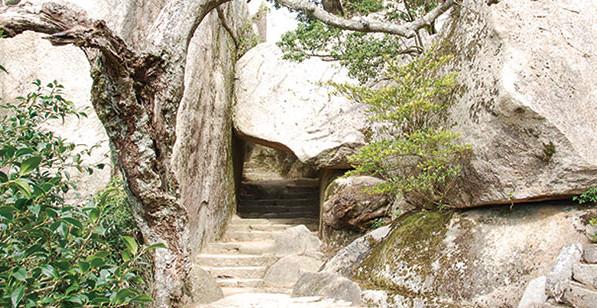 宮島弥山くぐり岩