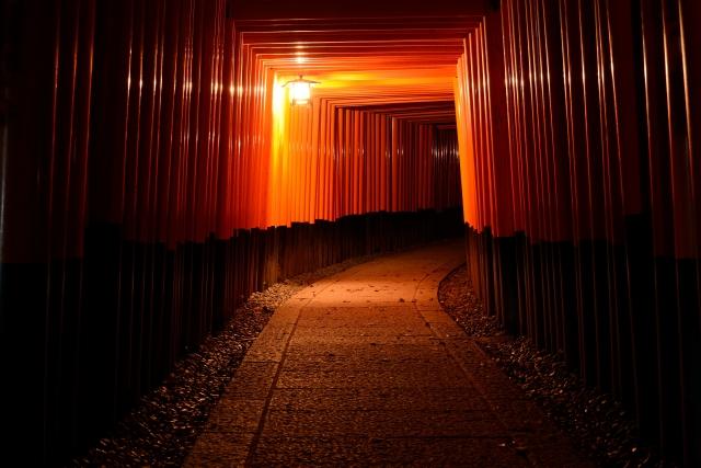 伏見稲荷大社夜