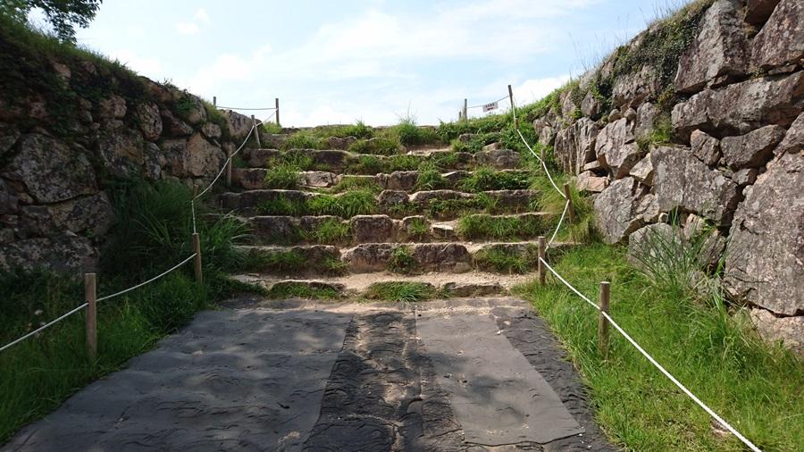 竹田城跡・城跡の上にがる