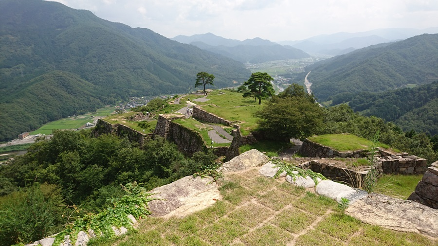竹田城跡・城跡の最上積からの風景