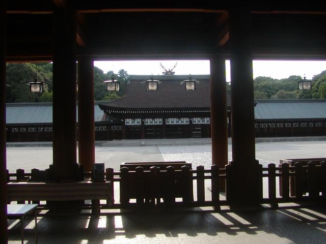 橿原神宮の内拝殿・廻廊