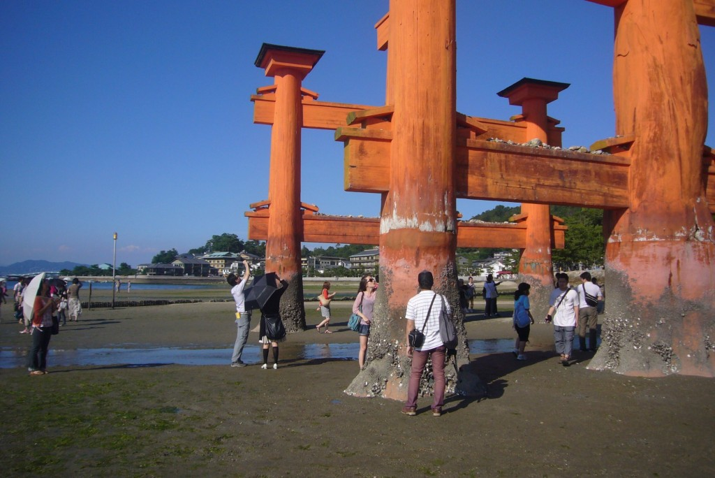 kaiun-厳島神社の大鳥居下