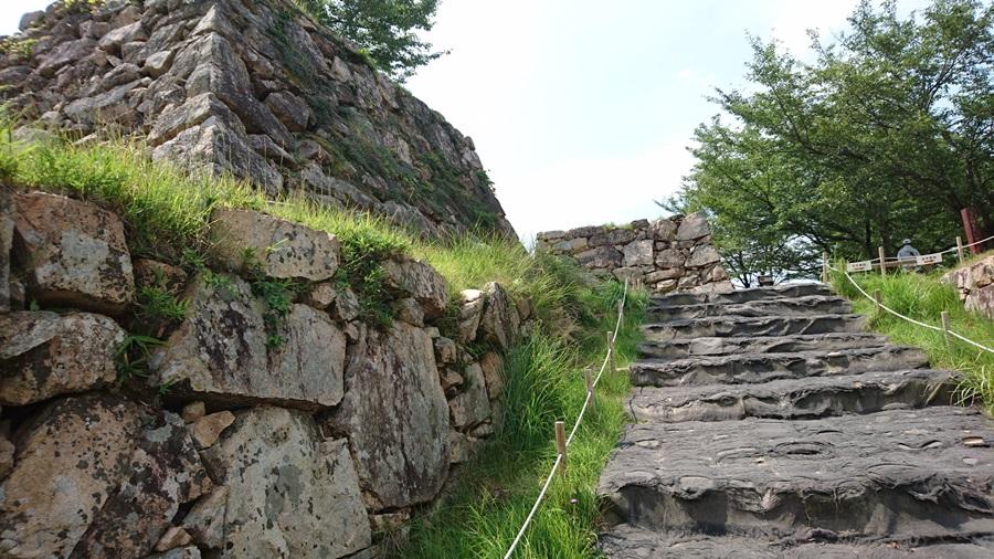 竹田城跡・城跡が見えてきた