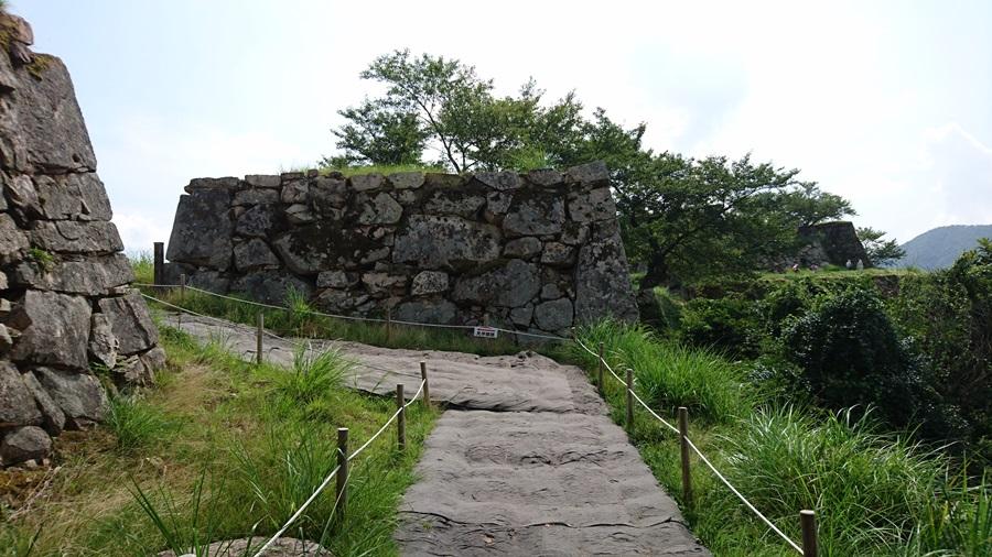 竹田城跡・城跡の最上はもうすぐ