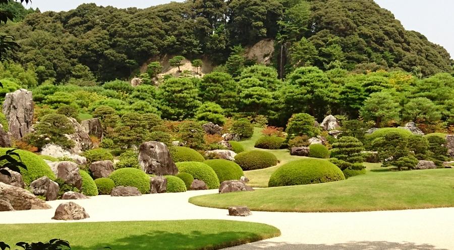 足立美術館・亀鶴の滝