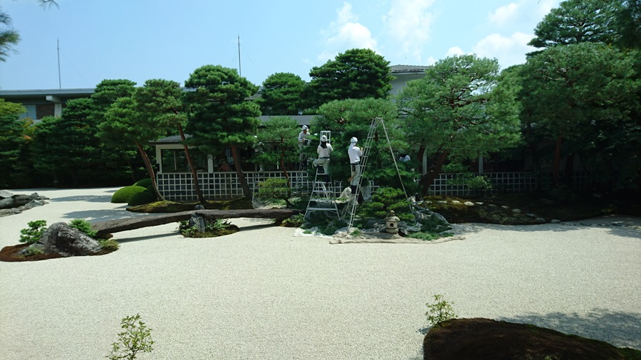 足立美術館・庭師