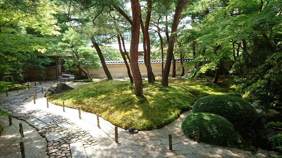 足立美術館・茶室寿立庵の庭