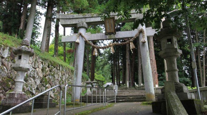 気多若宮神社・石製の鳥居