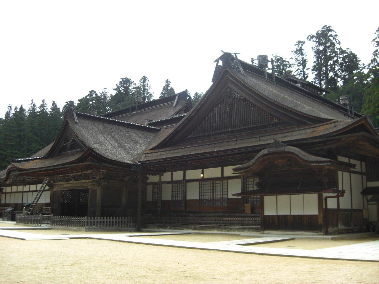 金剛峯寺・大玄関と小玄関